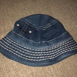 💯🧢True Religion bucket hat/cap